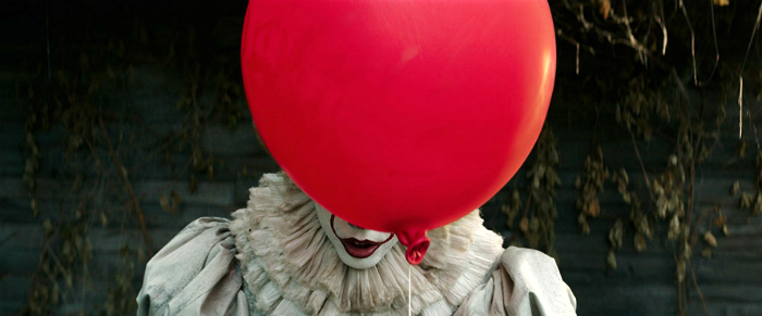 It - Pennywise with balloon